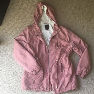 Dusty pink parka technical jacket with sherpa